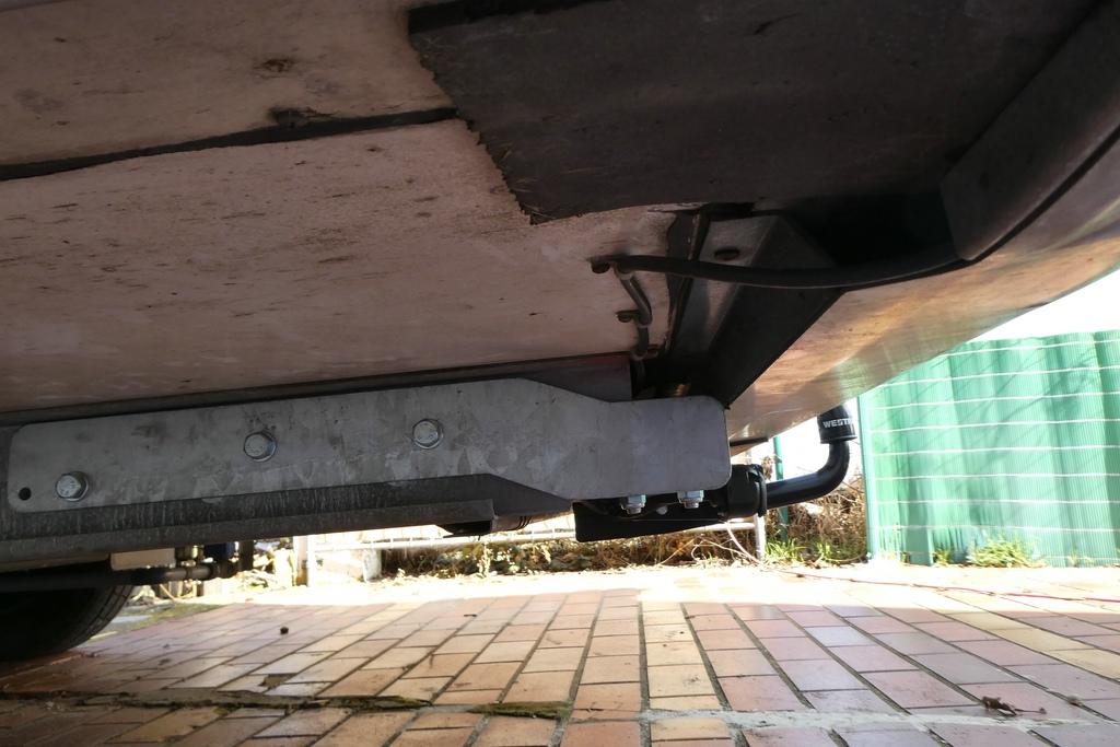 Anhängerkupplung am Wohnmobil Montage